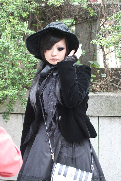 harajuku_gothiclolita_fourfront1602